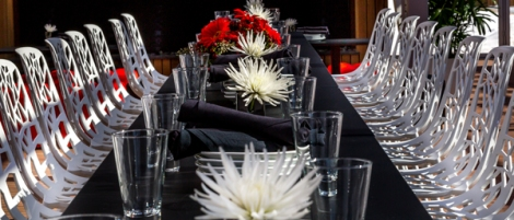 We can customize your table settings for any season or occasion.